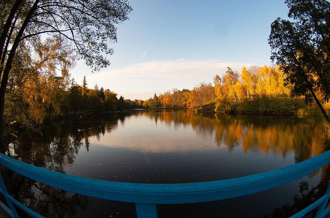 """Міст, який розділяє два штучних озера, """"Тростянець"""""""